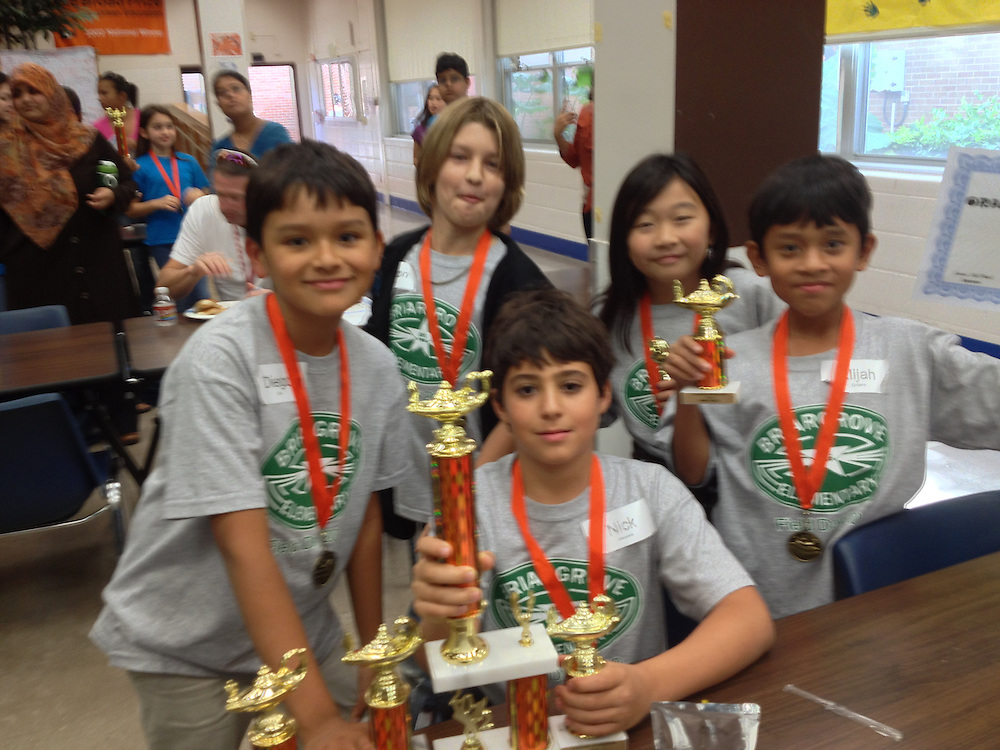 Briargrove ES fifth-graders captured the T.H. Rogers Orange Bowl trivia competition.<br /> To submit photos for inclusion in eNews, send them to hisdphotos@yahoo.com.