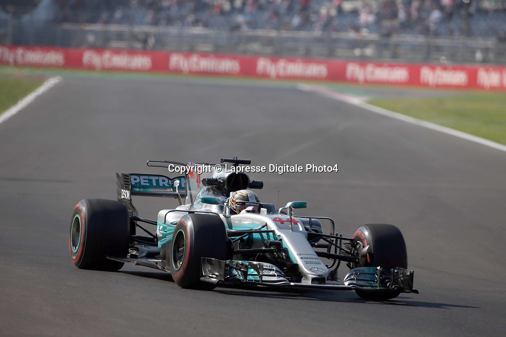 &copy; Photo4 / LaPresse<br /> 27/10/2017 Mexico City, Mexico<br /> Sport <br /> Grand Prix Formula One Mexico 2017<br /> In the pic: Lewis Hamilton (GBR) Mercedes AMG F1 W08