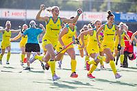 AMSTELVEEN - Jodie Kenny (Austr.) with Brooke Peris (Austr.) . Semi Final Pro League  women, Argentina-Australia (1-1) . Austr. wns. COPYRIGHT KOEN SUYK