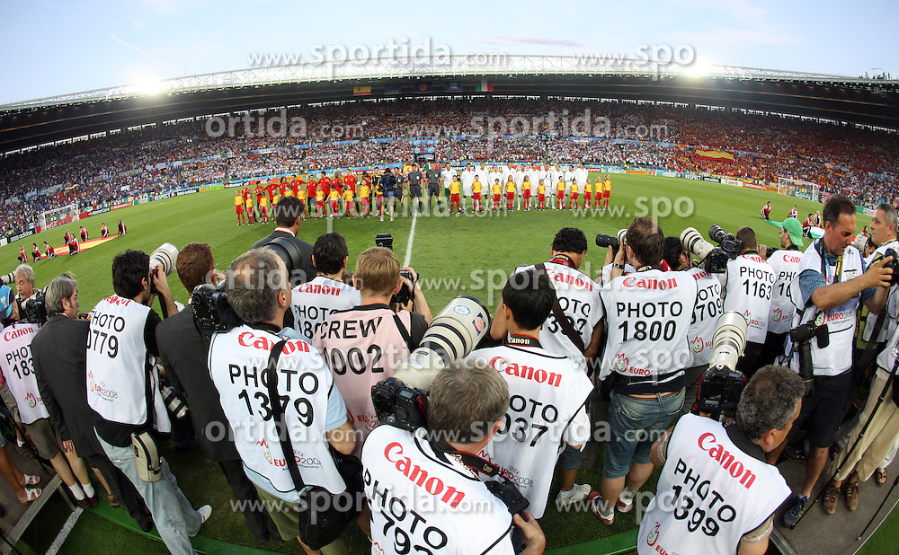 Photographers shooting both teams before the UEFA EURO 2008 Quarter-Final soccer match between Spain and Italy at Ernst-Happel Stadium, on June 22,2008, in Wien, Austria. Spain won after penalty shots 4:2. (Photo by Vid Ponikvar / Sportal Images)