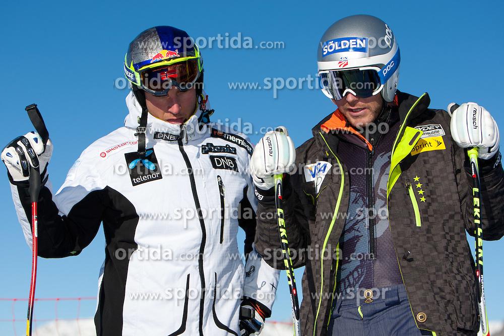 27.12.2011, Pista Stelvio, Bormio, ITA, FIS Weltcup Ski Alpin, Herren, Abfahrt, 1. Training, im Bild am Start Aksel Lund Svindal (NOR) und Bode Miller (USA) // Aksel Lund Svindal of Norway and Bode Miller of USA at the start before first practice session downhill of FIS Ski Alpine World Cup at 'Pista Stelvio' in Bormio, Italy on 2011/12/27. EXPA Pictures © 2011, PhotoCredit: EXPA/ Johann Groder