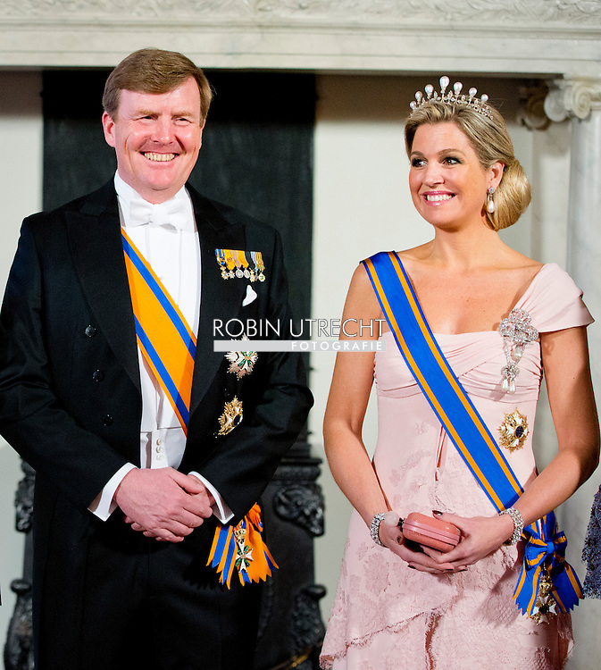 22-3-2014 AMSTERDAM - Chinese President Xi Jinping during the state banquet with King Willem-Alexander, Princess Maxima and Queen Beatrix at the Palace on Dam Square. Xi Jinping and his wife Mrs. Peng Liyuan pay a two-day state visit to the Netherlands. COPYRIGHT ROBIN UTRECHT