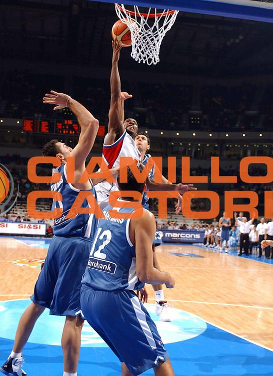 DESCRIZIONE : Belgrado Belgrade Eurobasket Men 2005 Grecia-Russia<br /> GIOCATORE : Holden<br /> SQUADRA : Russia<br /> EVENTO : Eurobasket Men 2005 Campionati Europei Uomini 2005<br /> GARA : Grecia-Russia Greece-Russia<br /> DATA : 22/09/2005<br /> CATEGORIA :<br /> SPORT : Pallacanestro<br /> AUTORE : Ciamillo&amp;Castoria/Fiba Europe Pool