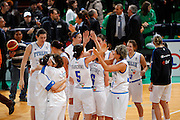 DESCRIZIONE : Priolo Additional Qualification Round Eurobasket Women 2009 Italia Belgio<br /> GIOCATORE : Team<br /> SQUADRA : Nazionale Italia Donne<br /> EVENTO : Qualificazioni Eurobasket Donne 2009<br /> GARA : Italia Belgio<br /> DATA : 16/01/2009<br /> CATEGORIA : Esultanza<br /> SPORT : Pallacanestro<br /> AUTORE : Agenzia Ciamillo-Castoria/G.Pappalardo