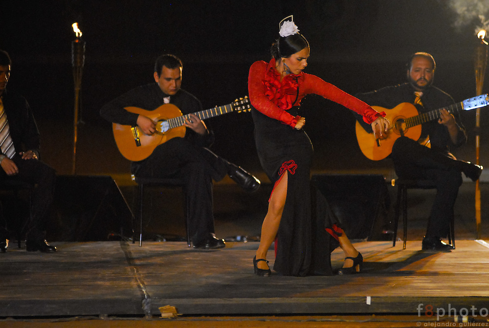 The spanish dancer María Juncal during a performance in the First Dance Festival Ibérica Contemporánea, Querétaro, México, 2007