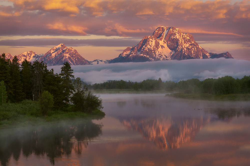 Colorful sunrise over Mt Moran and Oxbow Bend, Grand Teton National Park, Wyoming, USA