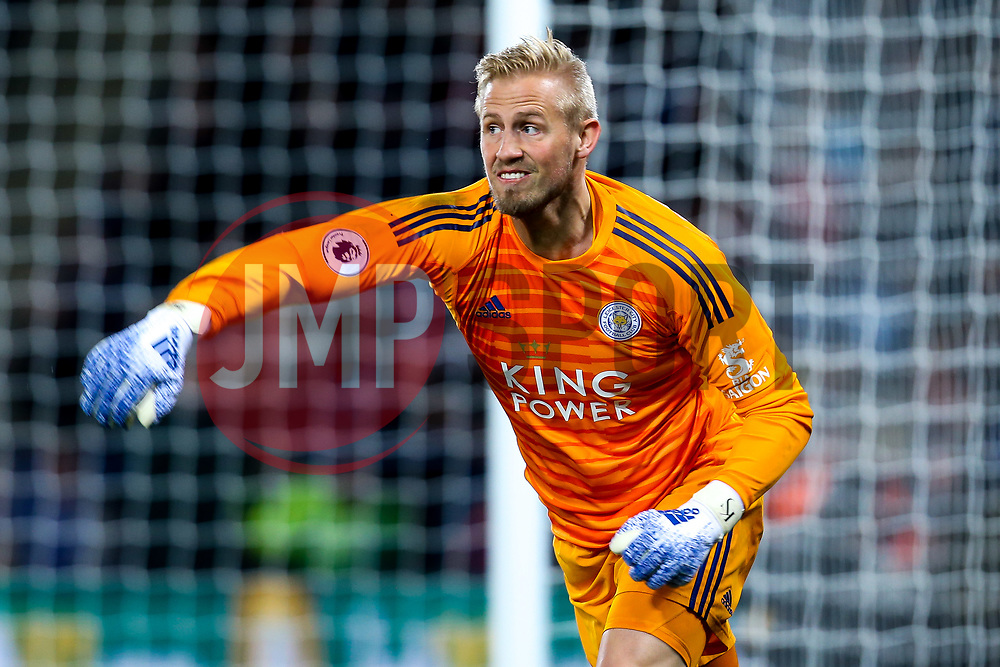 Kasper Schmeichel of Leicester City - Mandatory by-line: Robbie Stephenson/JMP - 12/04/2019 - FOOTBALL - King Power Stadium - Leicester, England - Leicester City v Newcastle United - Premier League