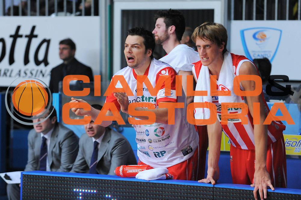 DESCRIZIONE : Cantu Lega A 2010-11 Bennet Cantu Banca Tercas Teramo<br /> GIOCATORE : Ivan Zoroski Panchina<br /> SQUADRA : Banca Tercas Teramo<br /> EVENTO : Campionato Lega A 2010-2011<br /> GARA : Bennet Cantu Banca Tercas Teramo<br /> DATA : 06/11/2010<br /> CATEGORIA : Ritratto Esultanza<br /> SPORT : Pallacanestro<br /> AUTORE : Agenzia Ciamillo-Castoria/A.Dealberto<br /> Galleria : Lega Basket A 2010-2011<br /> Fotonotizia : Cantu Lega A 2010-11 Bennet Cantu Banca Tercas Teramo<br /> Predefinita :