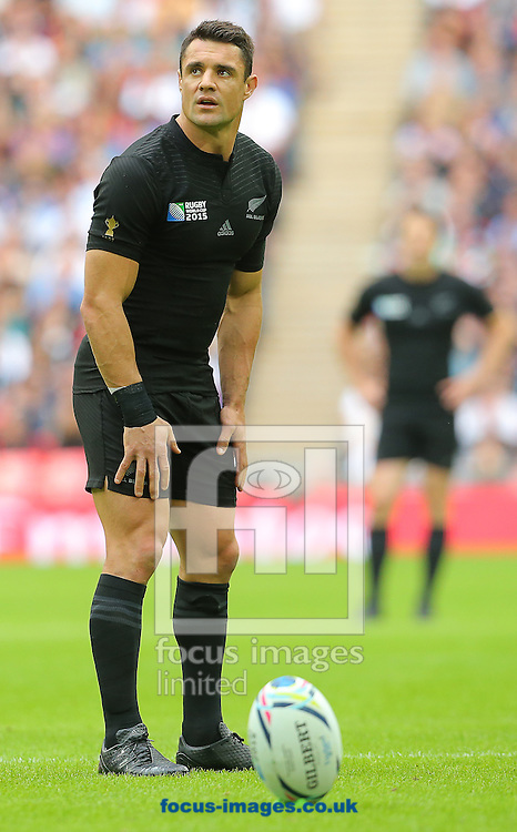 Daniel Carter of New Zealand prepares to take a kick during the 2015 Rugby World Cup match at Wembley Stadium, London<br /> Picture by Paul Terry/Focus Images Ltd +44 7545 642257<br /> 20/09/2015