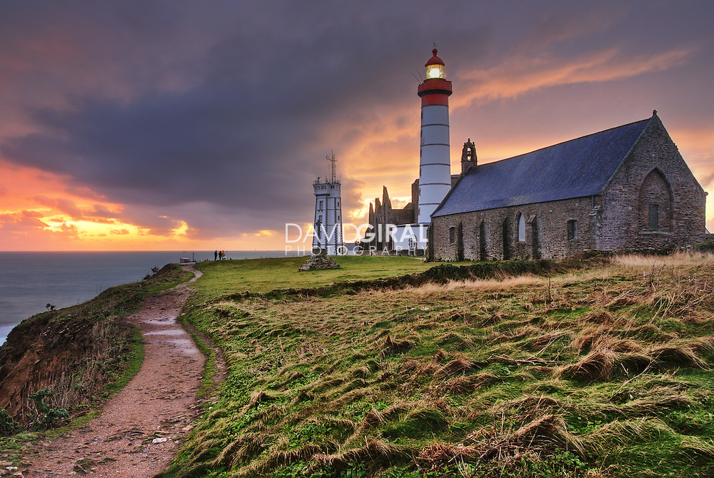 Sunset on the lighthouse of Pointe St-Mathieu by a cloudy evening<br /> <br /> Coucher de soleil sur le phare de la Pointe Saint-Mathieu par une soir&eacute;e nuageuse