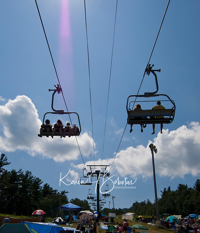"""""""Soulfest'ers"""" enjoyed the views when the rains left and brought clear skies to Gunstock Mountain Resort on Saturday for the final day of Soulfest 2009.  (Karen Bobotas/for the Laconia Daily Sun)"""