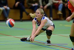 14-12-2013 VOLLEYBAL: SLIEDRECHT SPORT - VC SNEEK: SLIEDRECHT<br /> Sliedrecht Sport wint met 3-0 van Sneek / Marrit Jasper<br /> &copy;2013-FotoHoogendoorn.nl