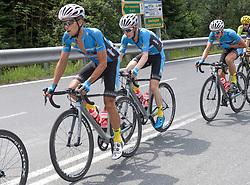 08.07.2017, Wels, AUT, Ö-Tour, Österreich Radrundfahrt 2017, 6. Etappe von St. Johann/Alpendorf nach Wels (203,9 km), im Bild v.l. Riccardo Zoidl (AUT, Team Felbermayr Simplon Wels), Daniel Lehner (AUT, Team Felbermayr Simplon Wels) // f.l. Riccardo Zoidl of Austria (Team Felbermayr Simplon Wels) Daniel Lehner of Austria (Team Felbermayr Simplon Wels) during the 6th stage from St. Johann/Alpendorf to Wels (203,9 km) of 2017 Tour of Austria. Wels, Austria on 2017/07/08. EXPA Pictures © 2017, PhotoCredit: EXPA/ Reinhard Eisenbauer