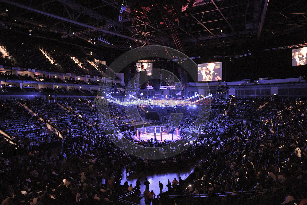 """LONDON, ENGLAND, FEBRUARY 21, 2009: A wide view of the arena during """"UFC 95: Sanchez vs. Stevenson"""" inside the O2 Arena in Greenwich, London."""