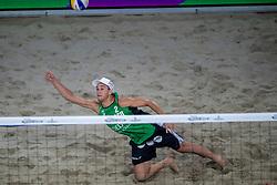 04-01-2018 NED: DELA Beach Open day 2, Den Haag<br /> Steven van de Velde NED #2  en Dirk Boehl&eacute; NED #1 verliezen hun eerste wedstrijd in de groep van de Brazilianen Pedro Solberg/George