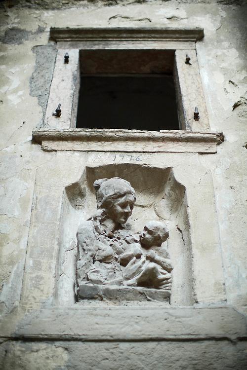 Tenno (TN) -  Madonna col bambino a Canale.