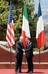 26.05.2017, Taormina, ITA, 43. G7 Gipfel in Taormina, im Bild v.l. Italiens Premierminister Paolo Gentiloni, Frankreichs Präsident Emmanuel Macron // f.l. Italy's Prime Minister Paolo Gentiloni France's President Emmanuel Macron during the 43rd G7 summit in Taormina, Italy on 2017/05/26. EXPA Pictures © 2017, PhotoCredit: EXPA/ Johann Groder