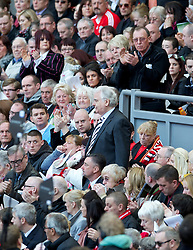 15.04.2013, Anfield Road, Liverpool, ENG, PL, Liverpool FC, 24. Jahrestag der Hillsborough Katastrophe, im Bild Everton chairman and owner Bill Kenwright during the 24th Anniversary Hillsborough Service at Anfield, Liverpool, United Kingdom on 2013/04/15. EXPA Pictures © 2013, PhotoCredit: EXPA/ Propagandaphoto/ David Rawcliffe..***** ATTENTION - OUT OF ENG, GBR, UK *****