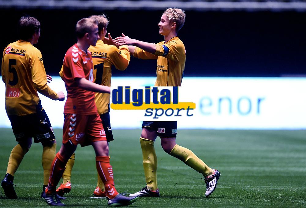 Fotball , 20 . november 2015 , NM finale G16<br /> Brann - Lillestrøm 1-4<br /> jubel Erik Tobias Sandberg , LSK