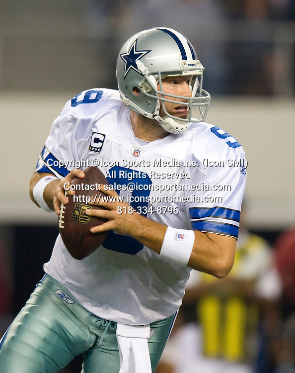 December 11, 2011: NY Giants vs the Dallas Cowboys in Dallas Texas at Cowboys Stadium: Cowboys quaterback Tony Romo.***NEW YORK NEWSPAPERS OUT---NO NEW YORK NEWSPAPERS***