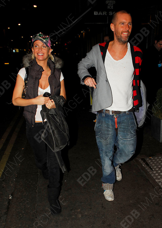 09.JANUARY.2007. LONDON<br /> <br /> **EXCLUSIVE PICTURES**<br /> <br /> SARAH HARDING LEAVING BOHEMIA KITCHEN RESTURANT IN SOHO AT 9.00PM WITH FRIEND ADE PHILLIPS AND THEN GETTING INTO A CAB PULLING FUNNY FACES.<br /> <br /> BYLINE: EDBIMAGEARCHIVE.CO.UK<br /> <br /> *THIS IMAGE IS STRICTLY FOR UK NEWSPAPERS AND MAGAZINES ONLY*<br /> *FOR WORLD WIDE SALES AND WEB USE PLEASE CONTACT EDBIMAGEARCHIVE - 0208 954 5968*
