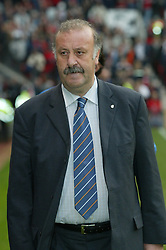 MANCHESTER, ENGLAND - Wednesday, April 23, 2003: Real Madrid's manager Vicente Del Bosque pictured against Manchester United during the UEFA Champions League Quarter Final 2nd Leg match at Old Trafford. (Pic by David Rawcliffe/Propaganda)