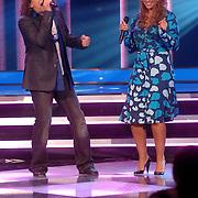 NLD/Weesp/20070312 - 2e Live uitzending Just the Two of Us, optreden Syb van der Ploeg en Sonja Silva