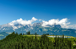 THEMENBILD - Das Bergpanorama des Wilden Kaisers und dem Seidlalmsee, aufgenommen am 26. Juni 2017, Kitzbühel, Österreich // The mountain panorama of the Wilden Kaisers and the Seidlalmsee at the Streif, Kitzbühel, Austria on 2017/06/26. EXPA Pictures © 2017, PhotoCredit: EXPA/ Stefan Adelsberger