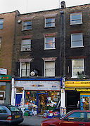 Satirist, inconoclast and writer on anomalous phenomena, Charles Fort lived here with his wife Anna from 1921 and 1928, close to the British Museum. There's a plaque on the wall, placed there by forteans..