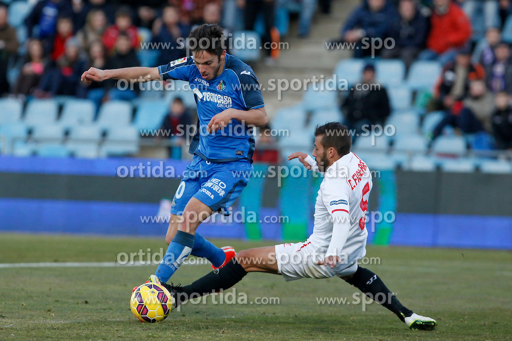 08.02.2015, Coliseum Alfonso Perez, Madrid, ESP, Primera Division, FC Getafe vs FC Sevilla, 22. Runde, im Bild Getafe&acute;s Sarabia (L) and Sevilla&acute;s Figueras // uring the Spanish Primera Division 22nd round match between Getafe FC and Sevilla FC at the Coliseum Alfonso Perez in Madrid, Spain on 2015/02/08. EXPA Pictures &copy; 2015, PhotoCredit: EXPA/ Alterphotos/ Victor Blanco<br /> <br /> *****ATTENTION - OUT of ESP, SUI*****