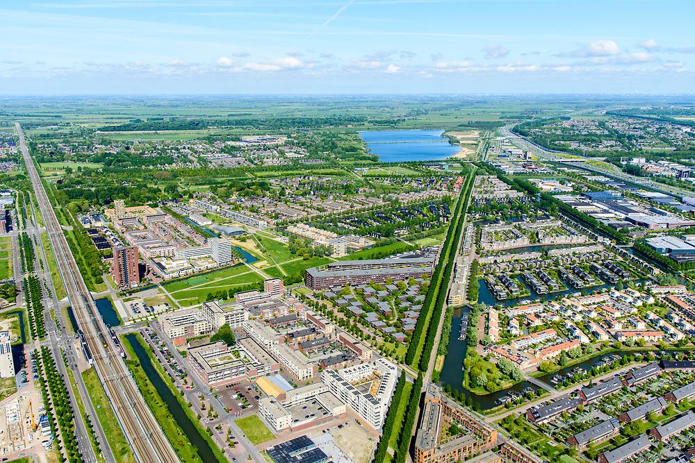 Nederland, Utrecht, Leidsche Rijn, 13-05-2019; Leidsche Rijn met NS Station Leidsche Rijn, gezien naar Vleuten en Haarrijnse Plas<br /> The new residential area Leidsche Rijn, west of Utrecht<br /> <br /> luchtfoto (toeslag op standard tarieven);<br /> aerial photo (additional fee required);<br /> copyright foto/photo Siebe Swart
