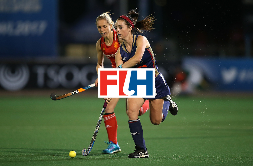 JOHANNESBURG, SOUTH AFRICA - JULY 20:  Erin Matson of United States of America battles with Jo Hunter of England during day 7 of the FIH Hockey World League Women's Semi Finals semi final match between England and United Staes of America at Wits University on July 20, 2017 in Johannesburg, South Africa.  (Photo by Jan Kruger/Getty Images for FIH)
