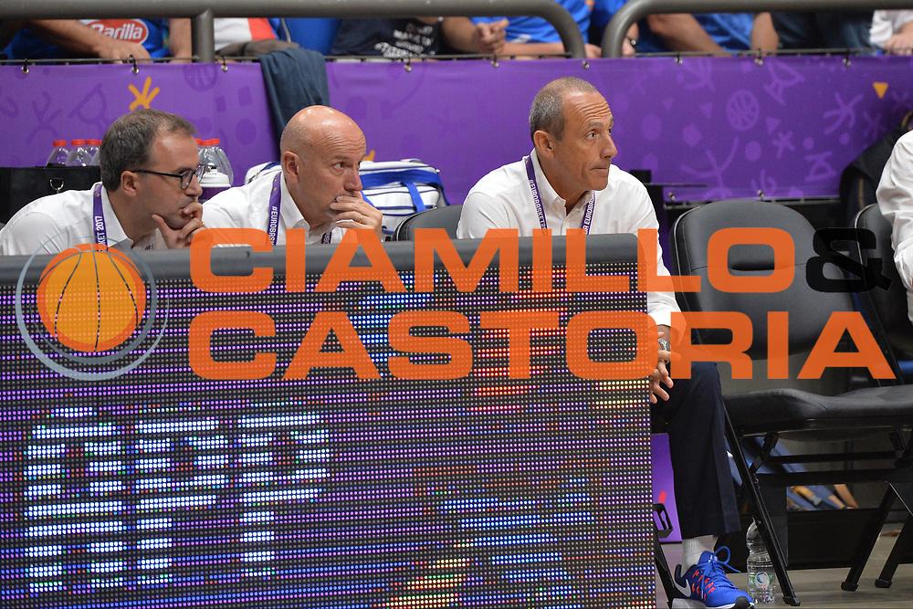 Mario Fioretti, Ettore Messina<br /> Nazionale Italiana Maschile Senior<br /> Eurobasket 2017 - Group Phase<br /> Lituania - Italia<br /> FIP 2017<br /> Tel Aviv, 03/09/2017<br /> Foto Ciamillo - Castoria/ M.Longo