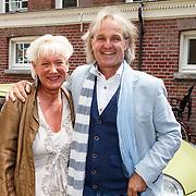 NLD/Amsterdam/20150608 -Yoga  Boekpresentaie Danielle van 't Schip - Oonk, Ronald Jan Heijn en partner Hilde Heijn