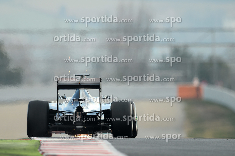 27.02.2015, Circuit de Catalunya, Barcelona, ESP, FIA, Formel 1, Testfahrten, Barcelona, Tag 2, im Bild Nico Rosberg (GER) Mercedes AMG F1 W06 and sparks // during the Formula One Testdrives, day two at the Circuit de Catalunya in Barcelona, Spain on 2015/02/27. EXPA Pictures &copy; 2015, PhotoCredit: EXPA/ Sutton Images/ Patrik Lundin Images<br /> <br /> *****ATTENTION - for AUT, SLO, CRO, SRB, BIH, MAZ only*****