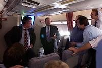 20 NOV 2003, LUFTRAUM:<br /> Gerharrd Schroeder, SPD, Bundeskanzler, im Gespraech mit Journalisten, in einem Airbus A310 der Flugbereitschaft der Luftwaffe, waehrend einem Flug von Berlin nach New York, USA<br /> IMAGE: 20031120-02-007<br /> KEYWORDS: U.S.A., Reise, Journalist, Flugzeug, Gespräch