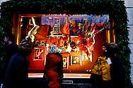 New York. department store Bergdorf Goodman, windows; Christmas Lighting on 57street  New York - United States / department store Bergdorf Goodman vitrine grand magasin  Illuminations pour les fetes de Noel sur la 57 em rue  New York - Etats Unis