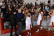 DESCRIZIONE : Roma Lega A 2012-13 Acea Roma Juve Caserta<br /> GIOCATORE : Goss Phil<br /> CATEGORIA : tifosi curiosita esultanza<br /> SQUADRA : Acea Roma<br /> EVENTO : Campionato Lega A 2012-2013 <br /> GARA : Acea Roma Juve Caserta<br /> DATA : 28/10/2012<br /> SPORT : Pallacanestro <br /> AUTORE : Agenzia Ciamillo-Castoria/GiulioCiamillo<br /> Galleria : Lega Basket A 2012-2013  <br /> Fotonotizia : Roma Lega A 2012-13 Acea Roma Juve Caserta<br /> Predefinita :