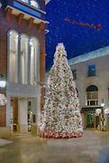 Beverly Hills CA,  Xmas Tree, Via Rodeo, One Rodeo, Lighted; Santa, Reindeer's, fantastic; Christmas; Light Display; , Vertical image