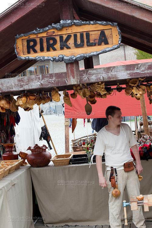 Historisk marked, Olavsfestdagene 2011. Under historisk marked forsøker man å gjenskape atmosfæren fra den gamle markedsplassen slik det var rundt Olsok.