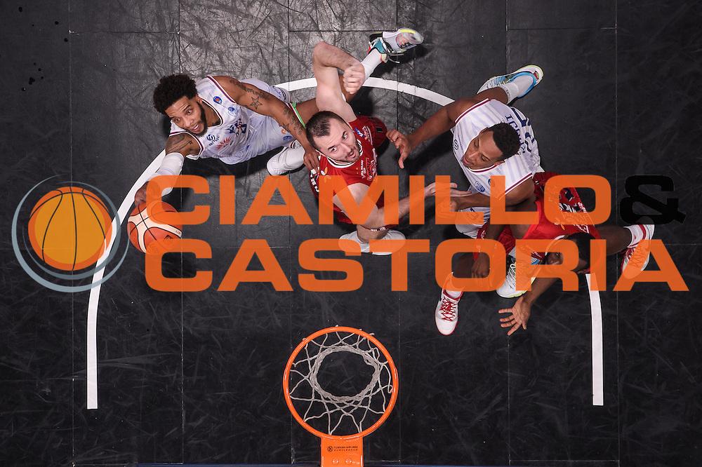 DESCRIZIONE : Milano Lega A 2015-16 <br /> GIOCATORE : Adrian Banks<br /> CATEGORIA : special tiro<br /> SQUADRA : Enel Brindisi<br /> EVENTO : Campionato Lega A 2015-2016<br /> GARA : Olimpia EA7 Emporio Armani Milano Enel Brindisi<br /> DATA : 20/12/2015<br /> SPORT : Pallacanestro<br /> AUTORE : Agenzia Ciamillo-Castoria/M.Ozbot<br /> Galleria : Lega Basket A 2015-2016 <br /> Fotonotizia: Milano Lega A 2015-16