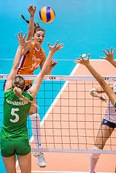 27-08-2017 NED: World Qualifications Bulgaria - Netherlands, Rotterdam<br /> De Nederlandse volleybalsters hebben in Rotterdam het kwalificatietoernooi voor het WK van volgend jaar in Japan ongeslagen afgesloten. Oranje was in z'n laatste wedstrijd met 3-0 te sterk voor Bulgarije: 25-21, 25-17, 25-23. / Anne Buijs #11 of Netherlands