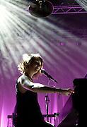 COCOON en concert en avignon.Mark Daumail et Morgane Imbeaud.tournee 2010/2011.pour la sortie de l'album Where The Oceans End