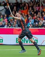 ANTWERPEN - Seve Ass (Ned) heeft de stand op 1-0 gebracht tijdens Nederland-Ierland mannen  bij het Europees kampioenschap hockey. COPYRIGHT KOEN SUYK