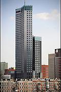 Nederland, Rotterdam, 16-4-2010Oud en nieuw als contrast in architectuur in Rotterdam.Het gebouw van Deloitte.Foto: Flip Franssen/Hollandse Hoogte