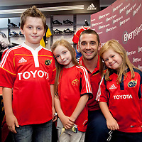 NEW MUNSTER RUGBY JERSEY Ned and Issie Murphy and Aobha O'Rourke, Clonlara, Co. Clare with Munster?s Alan Quinlan at the official adidas in-store launch of the new adidas Munster jersey in Elvery's, Crescent Shopping Centre, Limerick.. - Photo: Kieran Clancy / PicSure   29/8/09<br /> ©<br />  For further information please contact<br /> work(01) 6690136<br /> 0876601908<br /> Greg.Keane@ogilvy.com<br /> <br /> kieran@picsure.ie         087-2532015