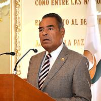 Toluca, Méx.- Víctor Humberto Benítez Treviño, presidente de la Fundación UAEMEX, durante la firma de convenio de colaboración con el Tribunal Superior de Justicia del Estado de México. Agencia MVT / José Hernández