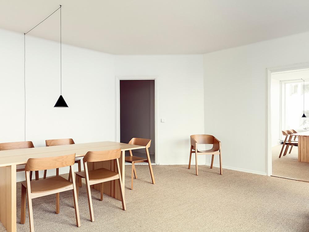 Perhejuristit Kuusiluoma & Kokko office interior designed by Collaboratorio