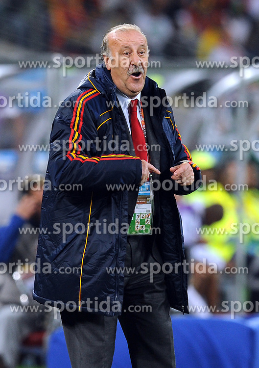 07.07.2010, Moses Mabhida Stadium, Durban, SOUTH AFRICA, Deutschland GER vs Spanien ESP im Bild Trainer Vicente Del Bosque, EXPA Pictures © 2010, PhotoCredit: EXPA/ InsideFoto/ Perottino *** ATTENTION *** FOR AUSTRIA AND SLOVENIA USE ONLY! / SPORTIDA PHOTO AGENCY