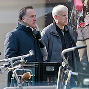 NLD/Amsterdam/20110315 - Dick Advocaat winkelend met Sergei Fursenko, de nieuwe voorzitter van de Russische voetbalbond